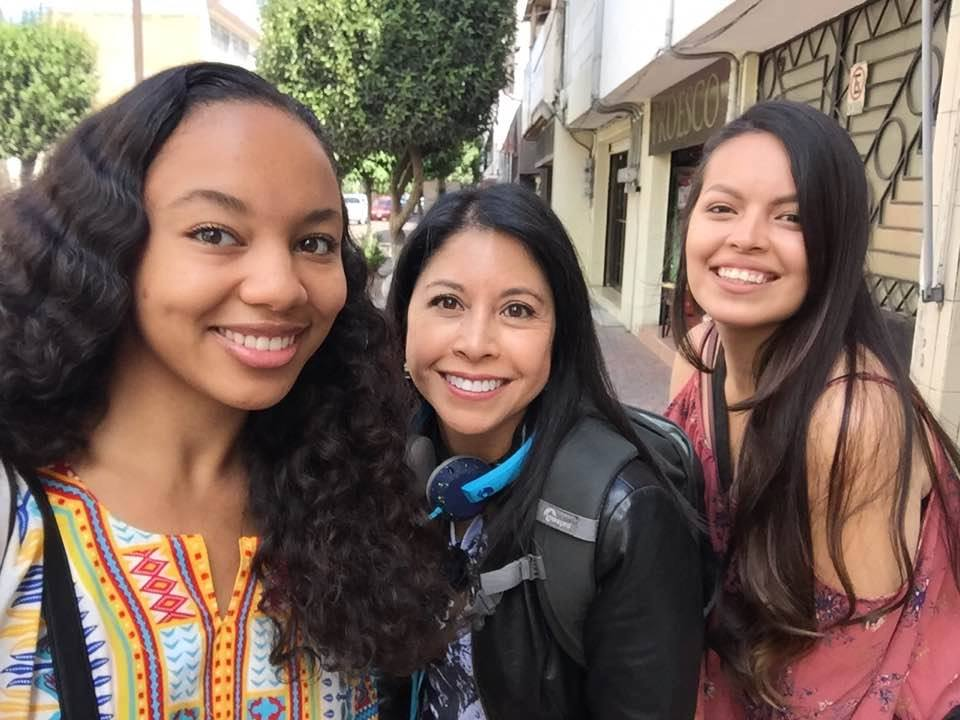 Dr. Celeste González de Bustamante and students